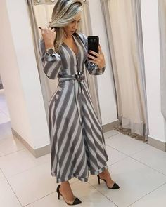 Best 11 Long dress and shoes – SkillOfKing. Lookbook, Dress Suits, Look Chic, Classy Dress, Women's Fashion Dresses, Fashion Boutique, Casual Chic, Casual Outfits, Clothes For Women