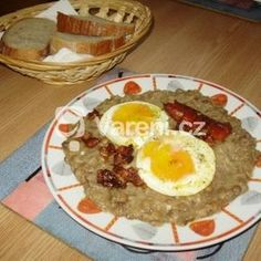 Čočka na kyselo Czech Recipes, Ethnic Recipes, Vegetarian Recipes, Vegan, Breakfast, Food, Treats, Morning Coffee, Sweet Like Candy
