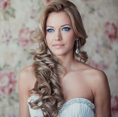 To see more stunning hairstyles: http://www.modwedding.com/2014/02/02/27-wedding-hairstyles-with-the-wow-factor/ #wedding #weddings #hairstyle