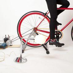 Puedes meter la bici en casa y generar electricidad al pedalear http://www.quo.es/ser-humano/ponte-manos-a-la-obra/construye-tu-generador-a-pedales
