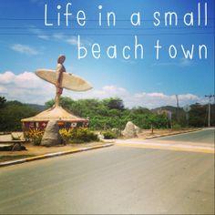 Life in small beach town - Montañita, Ecuador