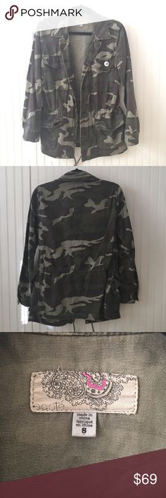 UO Ecote Military Utility Jacket 🔫100% Cotton 🔫Machine wash cold/hang dry  🔫Great condition  🔫Size S but slightly oversized & can fit a M 🔫Bear button not included Jackets & Coats Utility Jackets