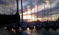 Atardecer en Cantabria. Puerto deportivo Santander