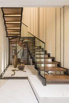 Under the stairs design ideas - Architecturechat Interior Stairs, Interior Design Living Room, Interior Livingroom, Architecture Design, Stair Handrail, Stair Decor, Modern Stairs, House Stairs, Villa Design