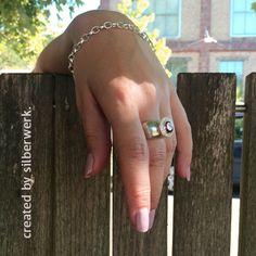 """Sommerzeit - einfach mal abhängen ;-)    Der lässige Ring ist unser ONE TOP: https://www.silberwerk.de/ringding/4356110-basis-ring-ding-breit-one-top-8-12mm   Das Top """"Jewels"""" gibt es in sieben Farben: https://www.silberwerk.de/katalog/130-jewelstops"""