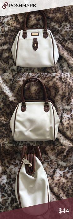 Liz Claiborne Creamy White Handbag Gorgeous creamy white with brown trimmed Handbag by Liz Claiborne. Gently used - great condition. Liz Claiborne Bags