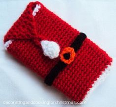 Crochet cell phone case for Christmas. ☀CQ #crochet #christmas