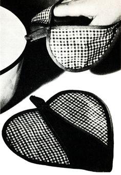 Vintage Pattern Marketplace: free pattern friday heart potholder tutorial and pattern