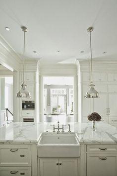 white kitchen, marble, pendant lighting