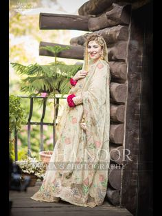 Image may contain: one or more people and people standing Shadi Dresses, Pakistani Formal Dresses, Pakistani Wedding Outfits, Pakistani Wedding Dresses, Pakistani Dress Design, Nikkah Dress, Asian Bridal Dresses, Desi Wedding Dresses, Bridal Outfits