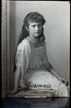 Russian Princess Grand Duchess Anastasia Nikolaevna Signed Photograph 1914 for sale