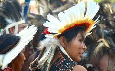 Índia da região do Xingu em apresentação nos Jogos dos Povos Indígenas de 2013 em Cuiabá, Mato Grosso