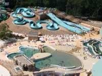 Centre aquatique Iléo à Dolus d'Oléron | Ile d'Oléron | Pays Merennes-Oléron Charente-Maritime Tourisme #charentemaritime | #iledOléron | #piscine | #loisir | #famille | http://www.en-charente-maritime.com/organiser-sejour/sorties/faire/activites/centre-aquatique-ileo-dolus-d-oleron