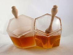 Hive honey pots