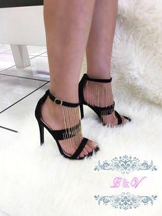 Moda es lo que compras, estilo es lo que haces con ello...#fashionista   Para precios, tallas disponibles envíanos un mensajito a nuestro whatsapp 👉 3317529588