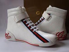 Moda Sneakers, Men's High Top Sneakers, Gucci Fashion, Mens Fashion, Sneakers Fashion, Fashion Shoes, Mens High Tops, Gucci Men, Gucci Shoes