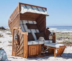 899,00 € Dieser XL-Strandkorb wirkt wie eine frische Meeresbrise: Er sorgt für Entspannung und Wohlgefühl. Mit seiner bequem gepolsterten Rücken- und Sitzfläche sowie mehreren gemütlichen Zusatzkissen ist hoher Sitzkomfort garantiert.