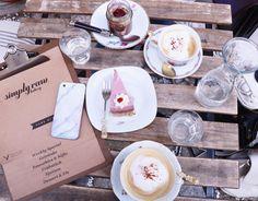 1000things.at präsentiert euch eine Übersicht über Kuchen-Cafés der Stadt, die mit süßen Verführungen und charmanter Atmosphäre verzaubern. Dessert, A Blessing, Quality Time, Foodies, Blessed, Make It Yourself, Create, Tableware, How To Make