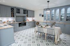 Sigdal kjøkken - Studio Sigdal Stavanger Scala Eik Kitchen Island, Scale, Stavanger, Kitchens, Interior, Ares, Furniture, Studio, Home Decor