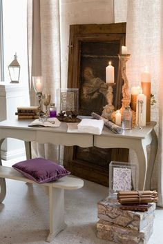 Daisy Pink Cupcake: ~Things to do with your table~ Purple Desk, Pink Cupcakes, Done With You, Country Chic, Home And Living, Entryway Tables, Outdoor Living, Things To Do, Interior Decorating