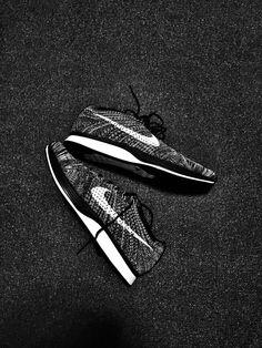Nike Flyknit Racer Oreo 2.0s