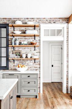 Farmhouse Kitchen Cabinets, Modern Farmhouse Kitchens, Kitchen Cabinet Design, Kitchen Redo, Home Decor Kitchen, Home Kitchens, Kitchen Remodel, Kitchen Ideas, Country Farmhouse