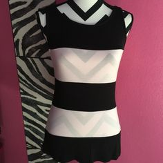 Carmen Marc Valvo Tank Top Pink/Black Icing Small Pretty in pink and black tank top from Carmen Marc Valvo. New with tags retail $48 Size small Carmen Marc Valvo Tops Tank Tops