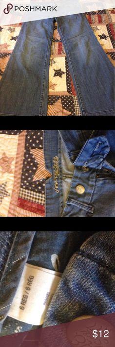 Size 6 regular American eagle jeans Size 6 regular American eagle jeans good used condition! Smoker Jeans Flare & Wide Leg