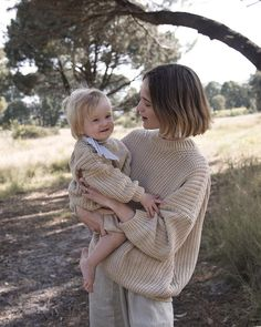 because of the oversized women's style of this knit from Summer & Storm it can fit ranging from size 6 up to size Hands up if you want one? We're ordering ASAP. Mom And Baby, Mommy And Me, Baby Love, Look Fashion, Kids Fashion, Mother Daughter Photography, Foto Baby, Future Mom, Baby Family