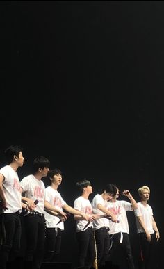 Ikon Kpop, Ikon Junhoe, Kim Jinhwan, Ikon Wallpaper, Yg Entertainment, Korean Boy Bands, Bobby, Korea Quotes, Fangirl