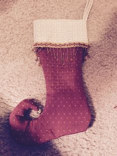 Curly toed stocking with trim