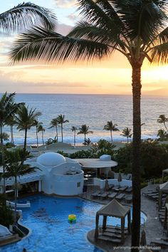 Watch the sun set over Wailea, Maui at the Fairmont Kea Lani.   #maui @Fairmont Kea Lani