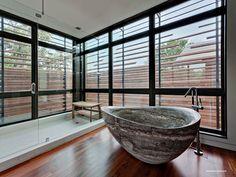 Diseño de Interiores & Arquitectura: Residencia Caruth en Dallas, Texas: Mezclando lo Sostificado del Lujo con la Belleza de la Vegetación