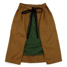 Napron Wardrobe(ナプロンワードローブ)APRON SKIRT カーキ。洋服として、作業着として、いろいろな作業にまつわる衣類を展開。。
