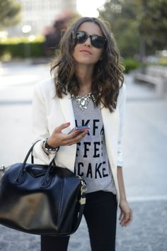 Graphic tee & statement necklace with blazer/skinnies: I don't know why I need a reminder for this...