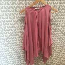Kuvahaun tulos haulle day birger et mikkelsen pink silk top Pink Silk, Silk Top, Tops, Women, Fashion, Moda, Fashion Styles, Fashion Illustrations, Woman