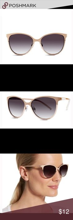Women's cat eye sunglasses from the limited Women's 100% UV protection cat eye sunglasses from the limited. EUC The Limited Accessories Sunglasses