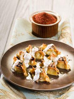 Μαντί, τα γεμιστά πολίτικα ζυμαρικά - www.olivemagazine.gr Pasta Recipes, Food And Drink, Pudding, Pie, Cooking, Desserts, Greek, Ethnic, Foods
