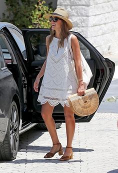 Jessica Alba Strappy Sandals - Jessica Alba paired her LWD with tan block-heeled sandals by Louise et Cie.