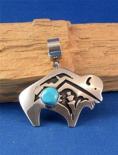 NATIVE AMERICAN NAVAJO INDIAN JEWELRY SILVER BUFFALO PENDANT TOMMY SINGER