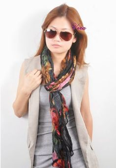 40 Cool Street Styles & Fashion Trends For Women and Girls Ways To Wear A Scarf, How To Wear Scarves, Spring Street Style, Street Style Women, Kids Fashion, Womens Fashion, Fashion Trends, Life Styles, Designer Scarves