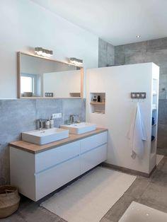 You need a lot of minimalist bathroom ideas. The minimalist bathroom design idea has many advantages. See the best collection of bathroom photos. Inspire Me Home Decor, Bathroom Renos, Bathroom Ideas, Bathroom Designs, Diy Bathroom, Bathroom Showers, Bathroom Shelves, Bathroom Remodeling, Minimalist Bathroom