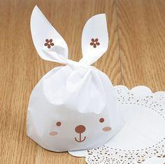 100 stücke Weiß Niedlichen Kaninchen Plastiktüte Candy Keks Verpackung Griff Tasche Für Hochzeit DIY Bäckerei