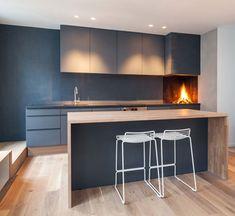 Modern loft apartment in Oslo by Haptic Architects Kitchen Interior, Scandinavian Kitchen, Interior Architecture, Modern Loft, Minimalist Apartment, Kitchen Dining Room, Home Kitchens, Loft Apartment, Kitchen Design