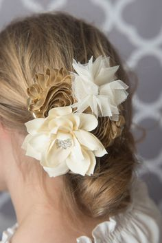 Flower Hair Clip - La Bella Rose Boutique. Girl's hairstyles, flower girl hair, picture day hair, braided hairstyle for girls.
