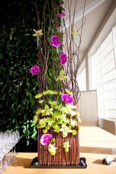 ZWADA home - Contemporary Flower Arrangement