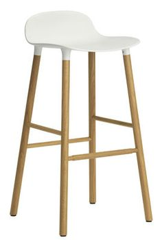 Tabouret de bar Form / H 75 cm - Pied chêne Blanc / chêne - Normann Copenhagen - Décoration et mobilier design avec Made in Design