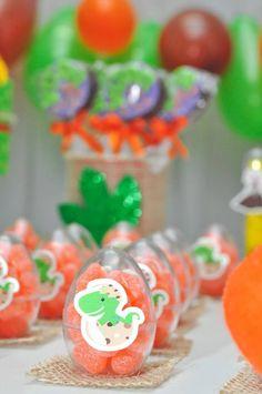 Boys First Birthday Party Ideas, Dinosaur Birthday Party, 3rd Birthday Parties, Birthday Party Decorations, Die Dinos Baby, Baby Dino, Festa Jurassic Park, First Birthdays, Bernardo