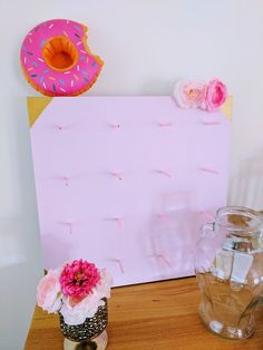 Un superbe porte-donut à fabriquer soi-même à partir de la table Ikea LACK  #donut #ikea #LACK