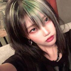 My Hairstyle, Pretty Hairstyles, Asian Hairstyles Women, Girl Hairstyles, Hair Inspo, Hair Inspiration, Soft Grunge Hair, Grunge Girl, Estilo Cool